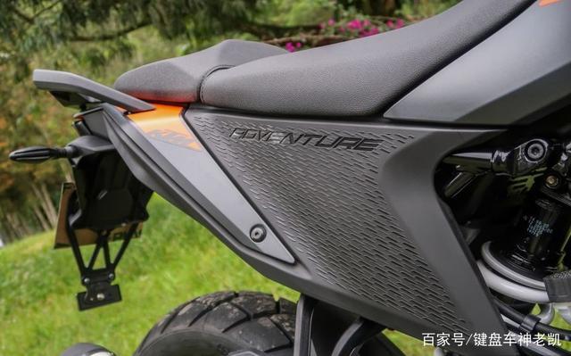 迟迟没来国内的KTM 390 ADV,又在新的海外市场上市,售价约4.96w-第11张图片-春风行摩托车之家
