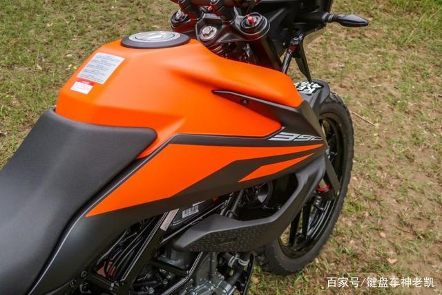 迟迟没来国内的KTM 390 ADV,又在新的海外市场上市,售价约4.96w-第9张图片-春风行摩托车之家