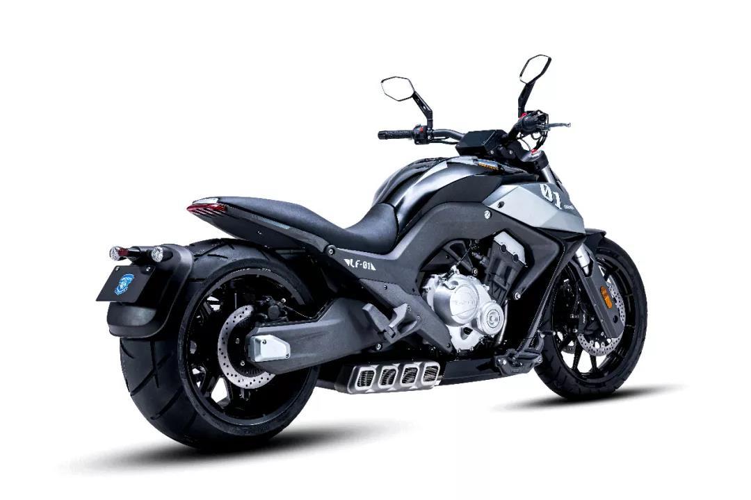 奔达700排量四缸巡航车官方爆出售价4万 ,预计明年下旬上市-第3张图片-春风行摩托车之家