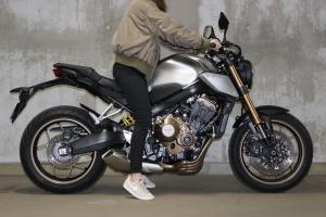 【试驾报告】中阶四缸街车首选!本田HONDA「CB650R」-第7张图片-春风行摩托车之家