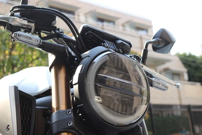 【试驾报告】中阶四缸街车首选!本田HONDA「CB650R」-第8张图片-春风行摩托车之家