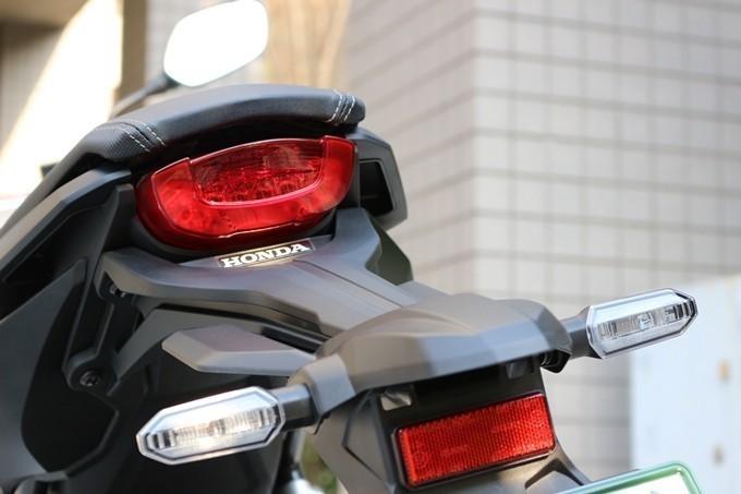 【试驾报告】中阶四缸街车首选!本田HONDA「CB650R」-第11张图片-春风行摩托车之家