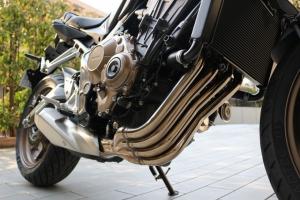 【试驾报告】中阶四缸街车首选!本田HONDA「CB650R」-第16张图片-春风行摩托车之家
