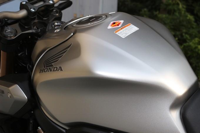 【试驾报告】中阶四缸街车首选!本田HONDA「CB650R」-第26张图片-春风行摩托车之家