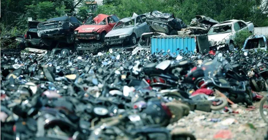 报废摩托车销毁,场面过于壮观-第13张图片-春风行摩托车之家