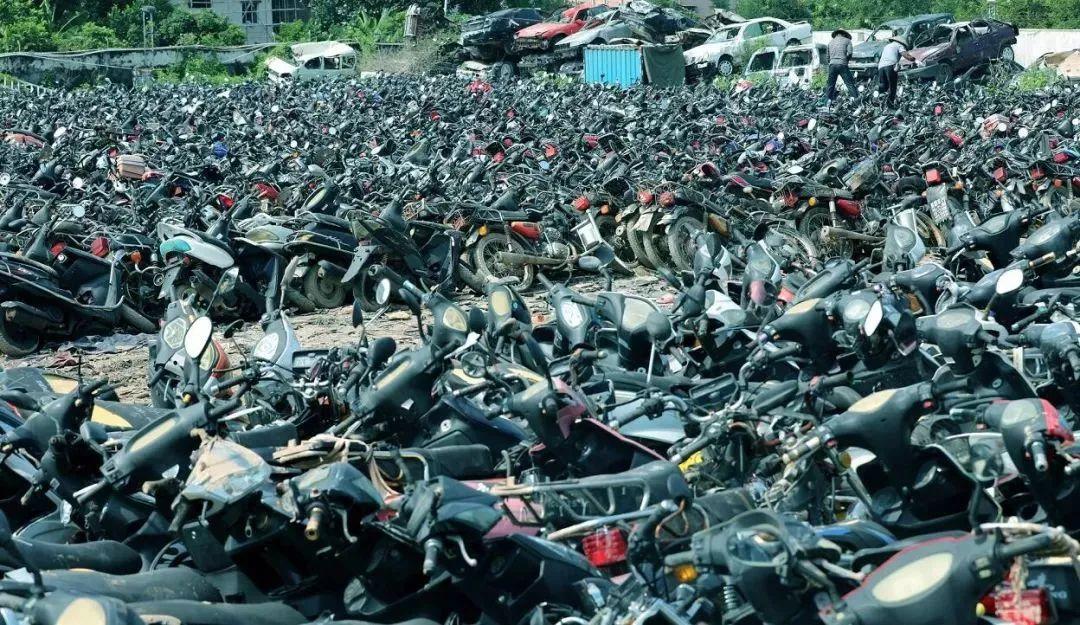 报废摩托车销毁,场面过于壮观-第15张图片-春风行摩托车之家
