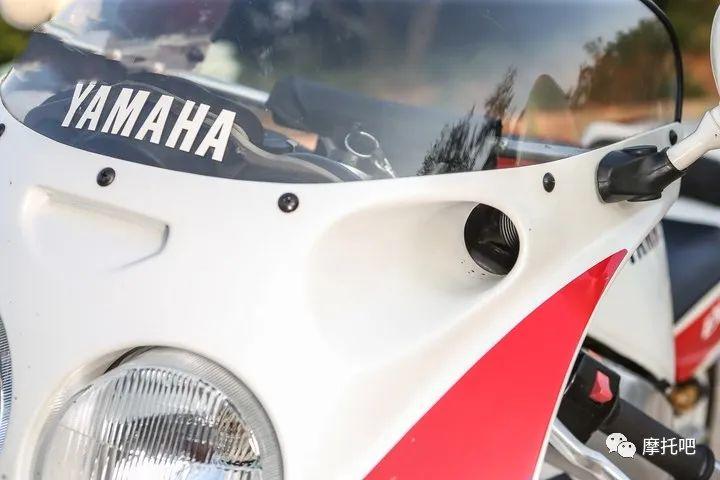 又美又贵,雅马哈的第一台市售超跑!-第16张图片-春风行摩托车之家