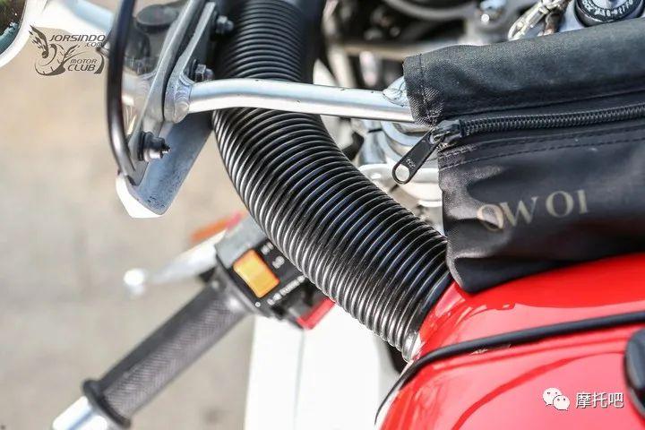 又美又贵,雅马哈的第一台市售超跑!-第17张图片-春风行摩托车之家