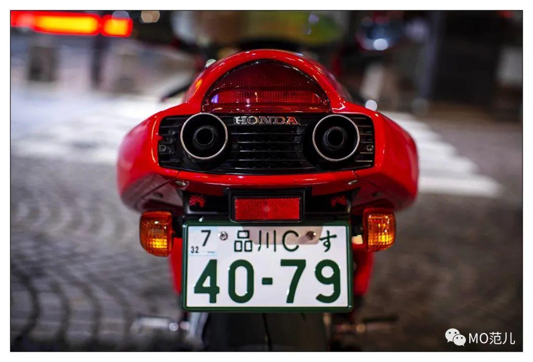 第一个把排气筒放在后座下的四冲摩托车是谁?-第6张图片-春风行摩托车之家