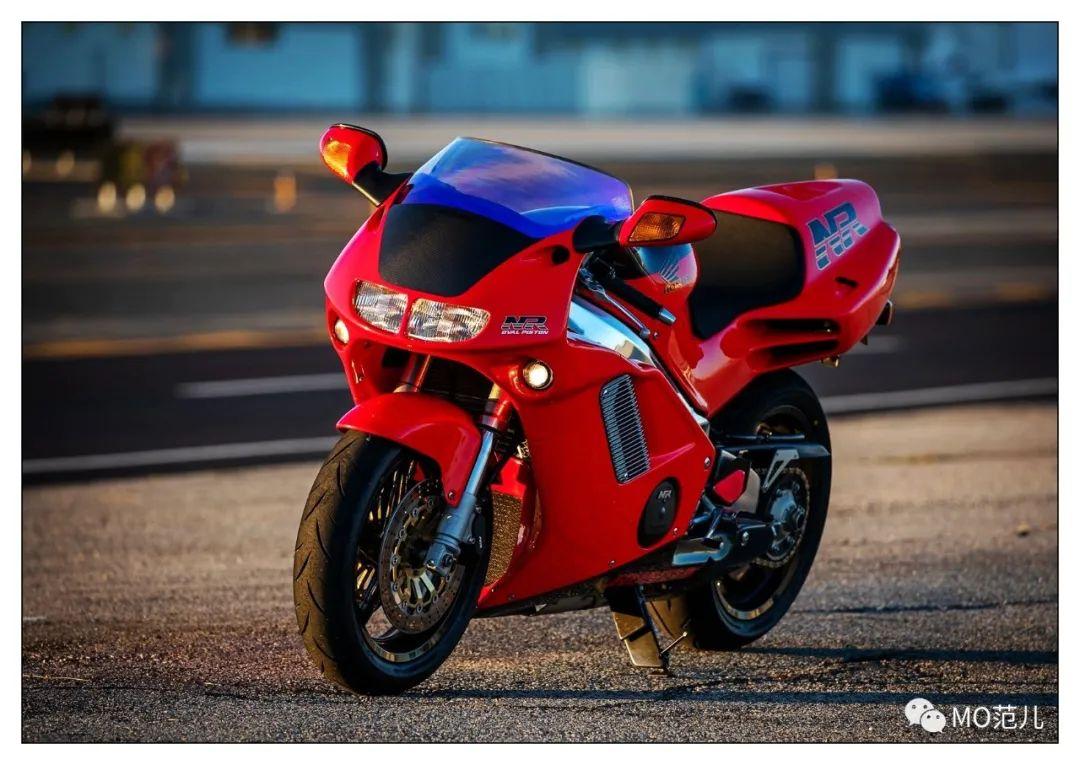 第一个把排气筒放在后座下的四冲摩托车是谁?-第7张图片-春风行摩托车之家