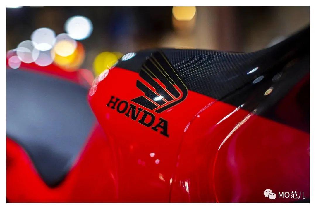 第一个把排气筒放在后座下的四冲摩托车是谁?-第14张图片-春风行摩托车之家