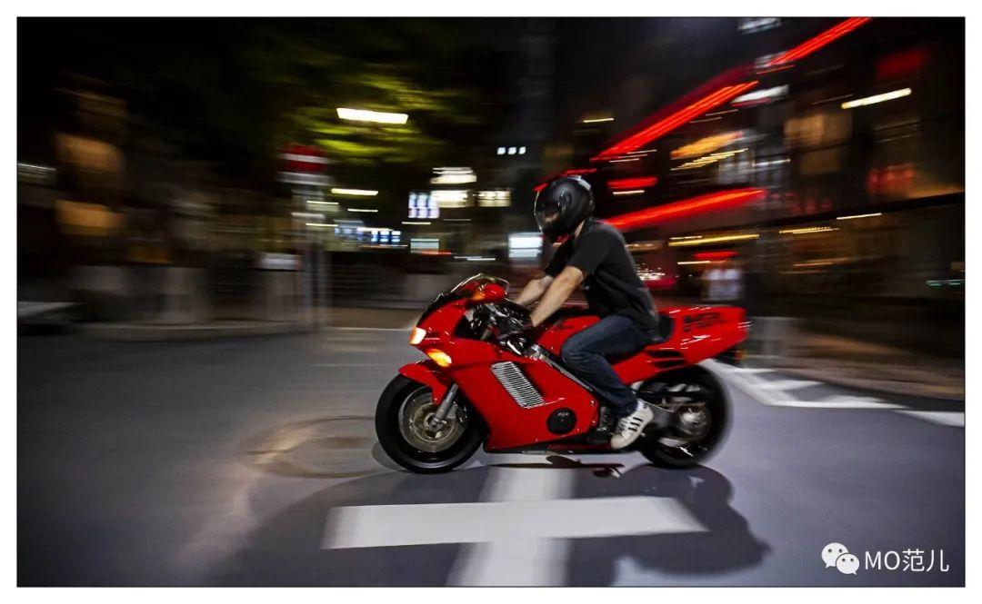 第一个把排气筒放在后座下的四冲摩托车是谁?-第24张图片-春风行摩托车之家