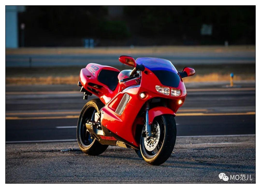 第一个把排气筒放在后座下的四冲摩托车是谁?-第30张图片-春风行摩托车之家