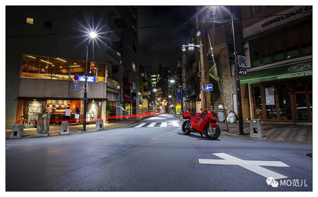 第一个把排气筒放在后座下的四冲摩托车是谁?-第29张图片-春风行摩托车之家