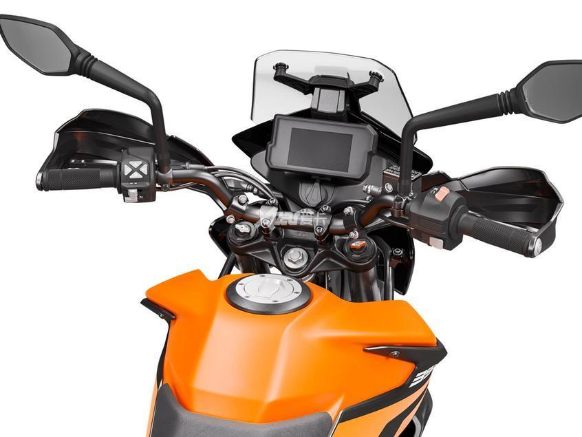 KTM 390 Adventure正式上市 售5.38万元-第5张图片-春风行摩托车之家