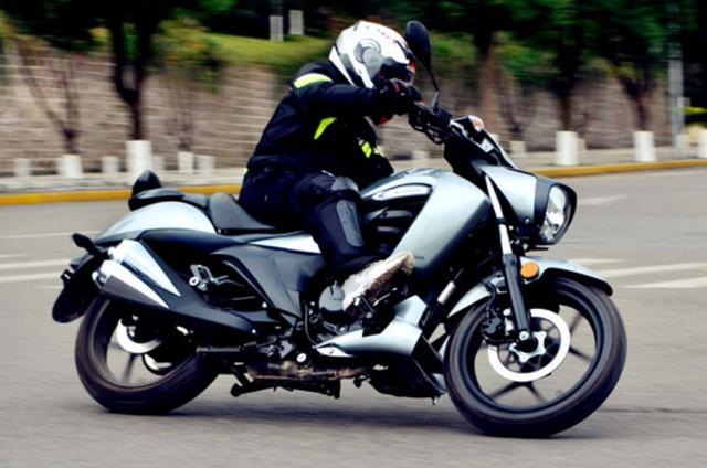 因外观受争议,售价不到1.5万!解析铃木酷道155:极速108,带ABS-第4张图片-春风行摩托车之家
