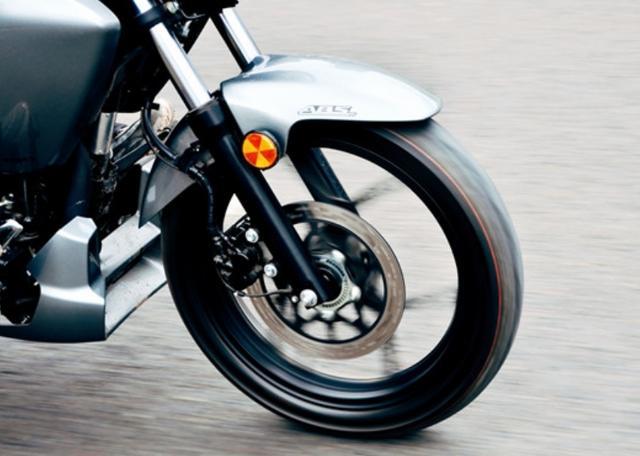 因外观受争议,售价不到1.5万!解析铃木酷道155:极速108,带ABS-第5张图片-春风行摩托车之家