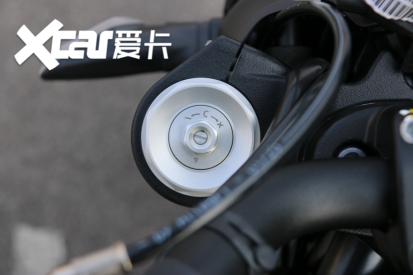 电子配置齐全 实拍杜卡迪自游1100 PRO-第11张图片-春风行摩托车之家