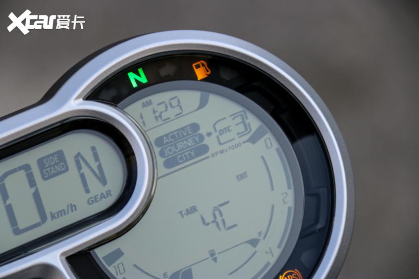 电子配置齐全 实拍杜卡迪自游1100 PRO-第27张图片-春风行摩托车之家