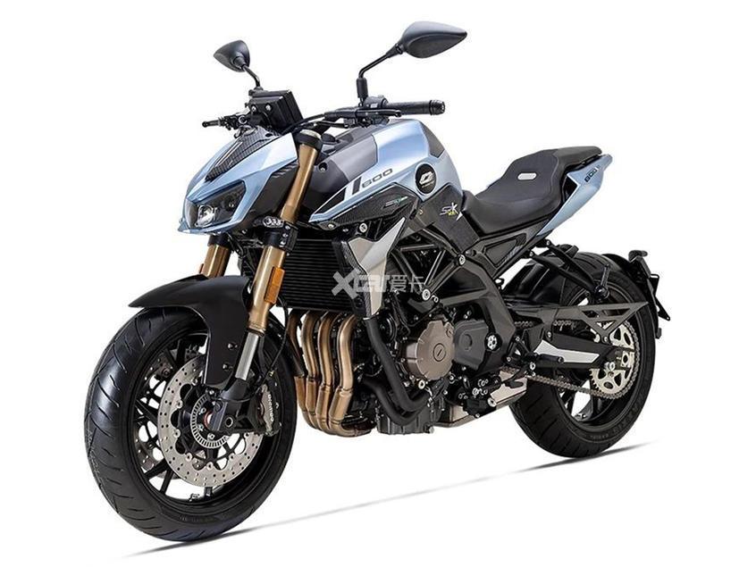 追350/追600圆灯版登场 满足个性化需求-第3张图片-春风行摩托车之家