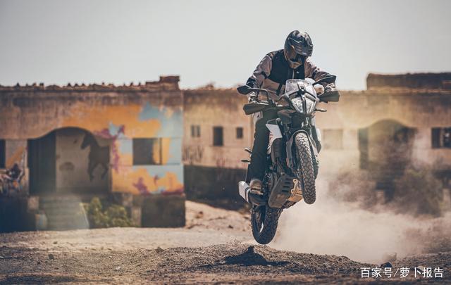 进口小探险摩托车怎么选?高座版KTM 390 ADV碾压而来