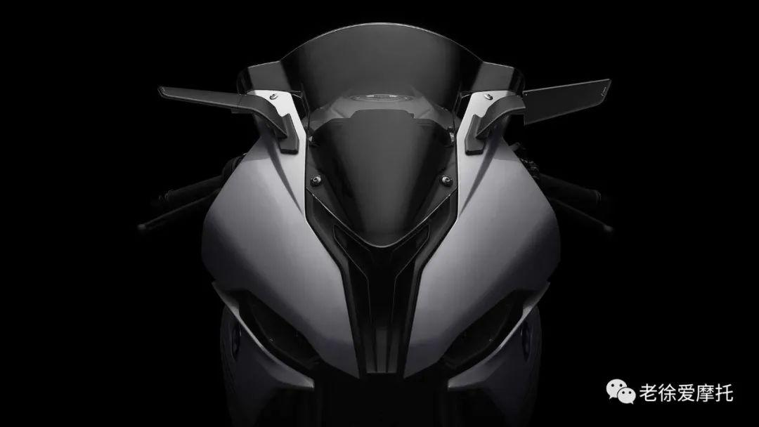 实用与美学兼具! Rizoma 翅膀隐形后照镜-第3张图片-春风行摩托车之家