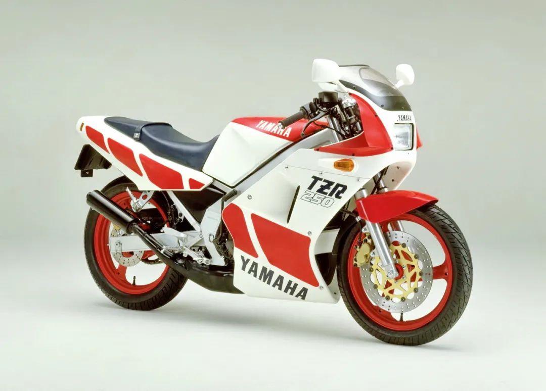 车型历史图库:雅马哈Yamaha TZR250 第一代-第1张图片-春风行摩托车之家