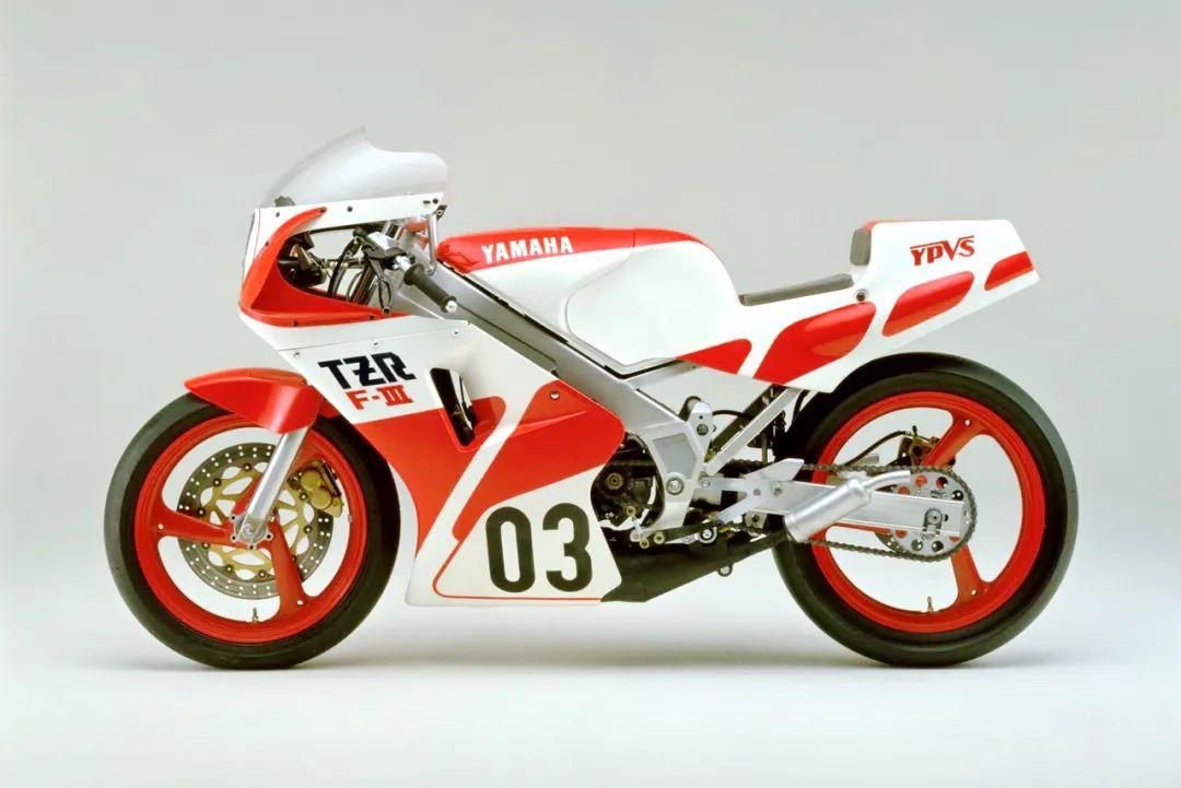 车型历史图库:雅马哈Yamaha TZR250 第一代-第15张图片-春风行摩托车之家