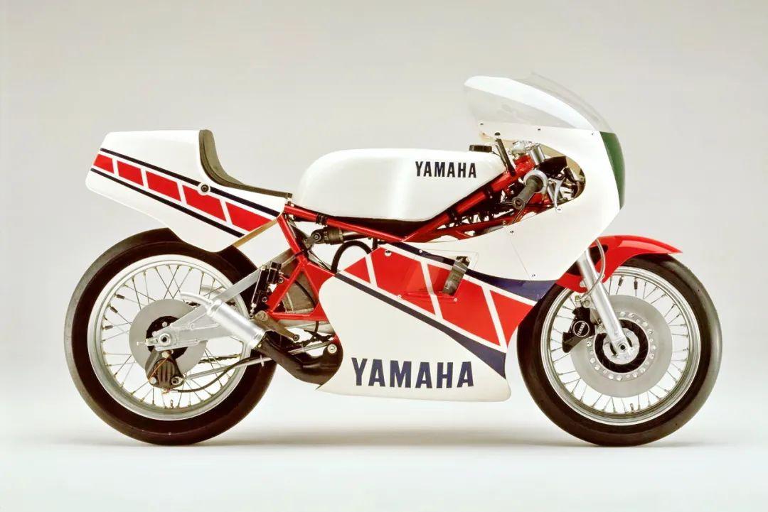 车型历史图库:雅马哈Yamaha TZR250 第一代-第16张图片-春风行摩托车之家