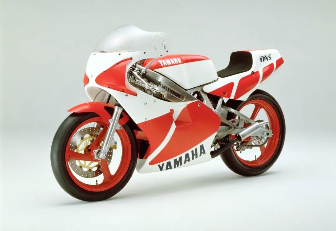 车型历史图库:雅马哈Yamaha TZR250 第一代-第22张图片-春风行摩托车之家
