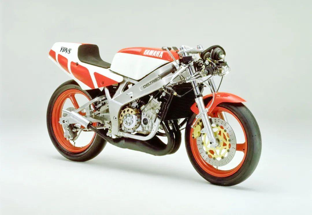 车型历史图库:雅马哈Yamaha TZR250 第一代-第23张图片-春风行摩托车之家