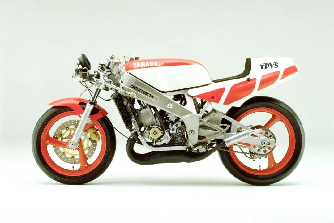 车型历史图库:雅马哈Yamaha TZR250 第一代-第24张图片-春风行摩托车之家