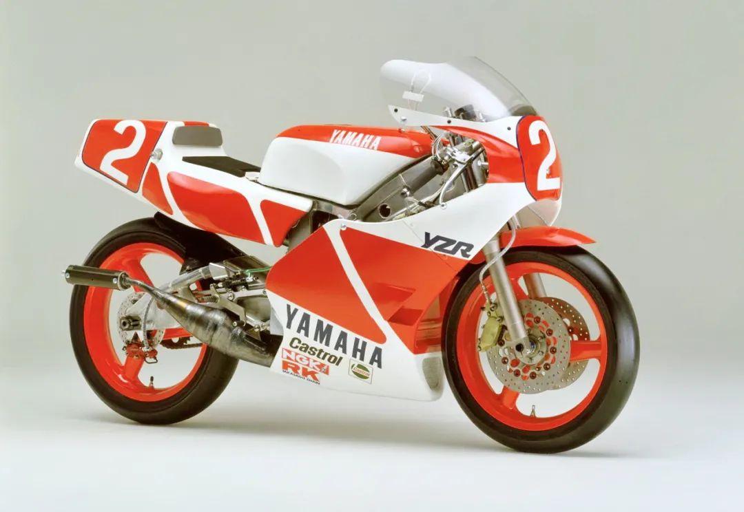 车型历史图库:雅马哈Yamaha TZR250 第一代-第25张图片-春风行摩托车之家