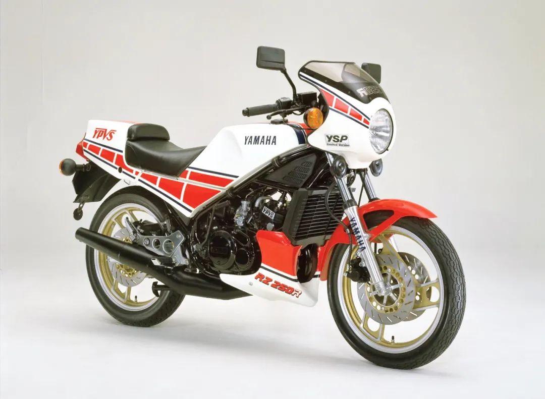 车型历史图库:雅马哈Yamaha TZR250 第一代-第28张图片-春风行摩托车之家