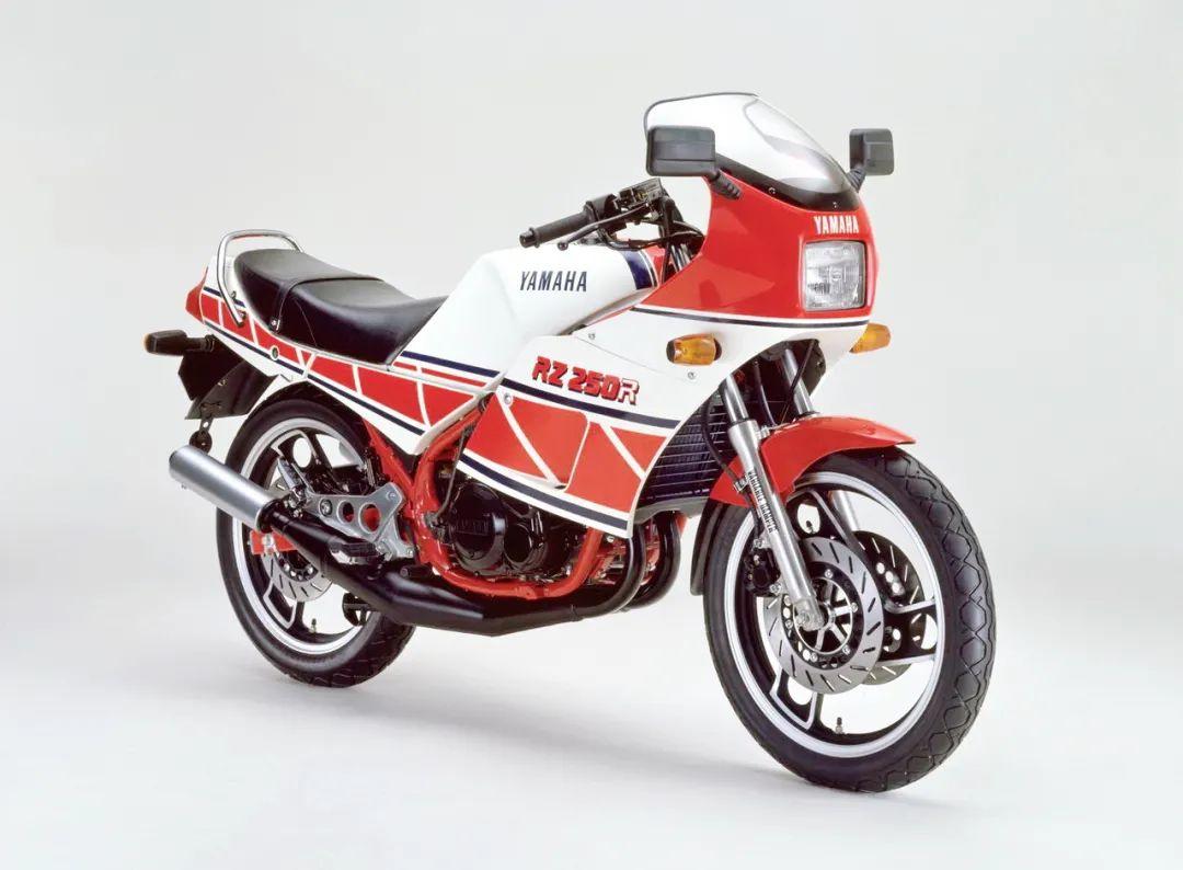 车型历史图库:雅马哈Yamaha TZR250 第一代-第30张图片-春风行摩托车之家