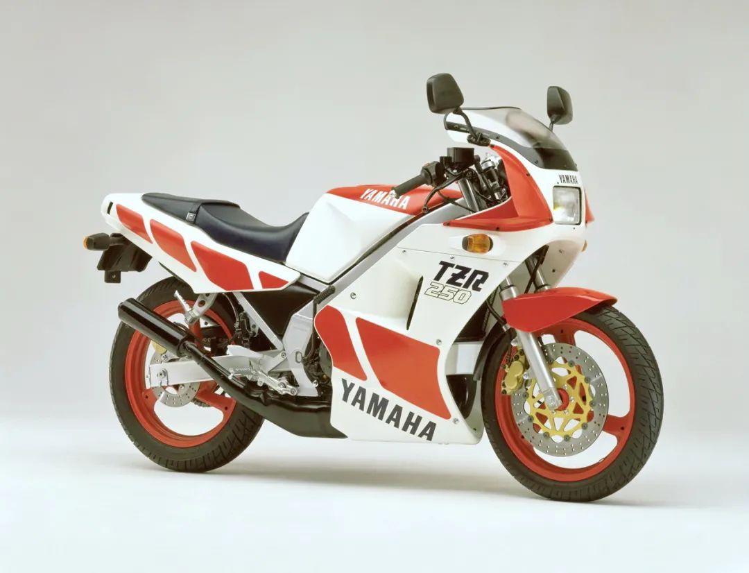 车型历史图库:雅马哈Yamaha TZR250 第一代-第32张图片-春风行摩托车之家