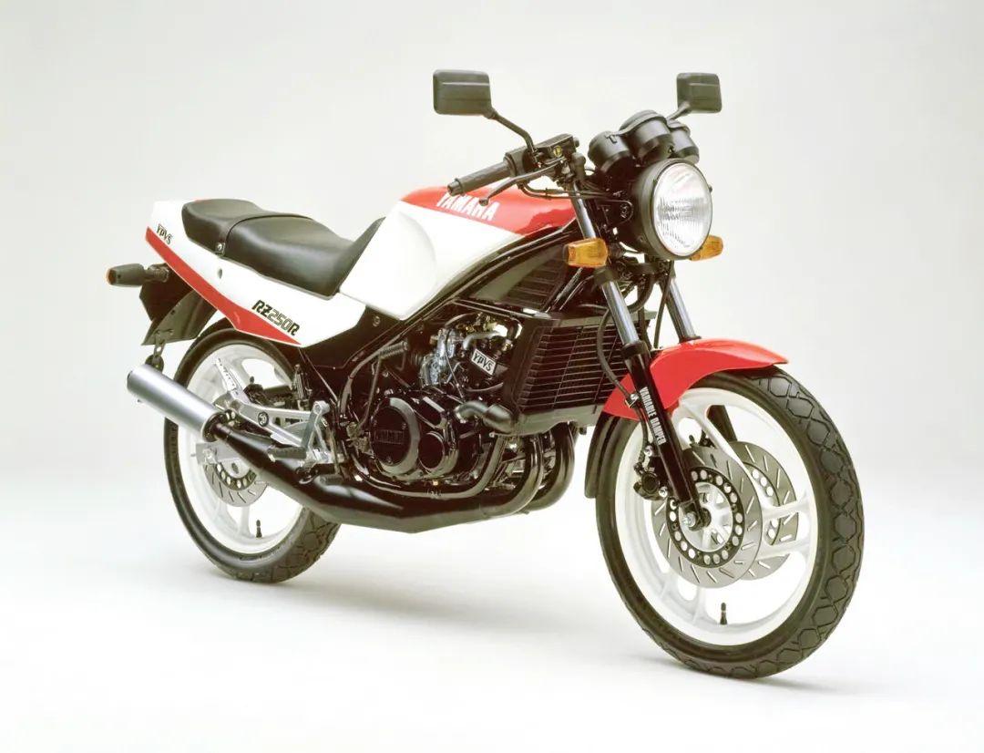 车型历史图库:雅马哈Yamaha TZR250 第一代-第31张图片-春风行摩托车之家