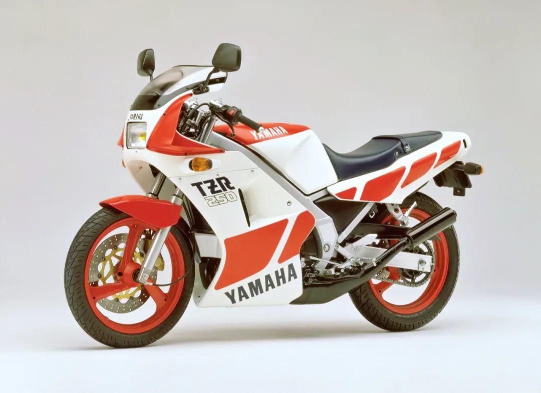 车型历史图库:雅马哈Yamaha TZR250 第一代-第34张图片-春风行摩托车之家