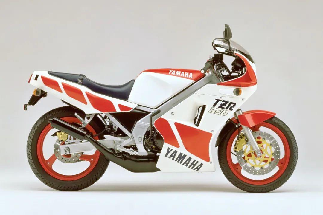 车型历史图库:雅马哈Yamaha TZR250 第一代-第33张图片-春风行摩托车之家