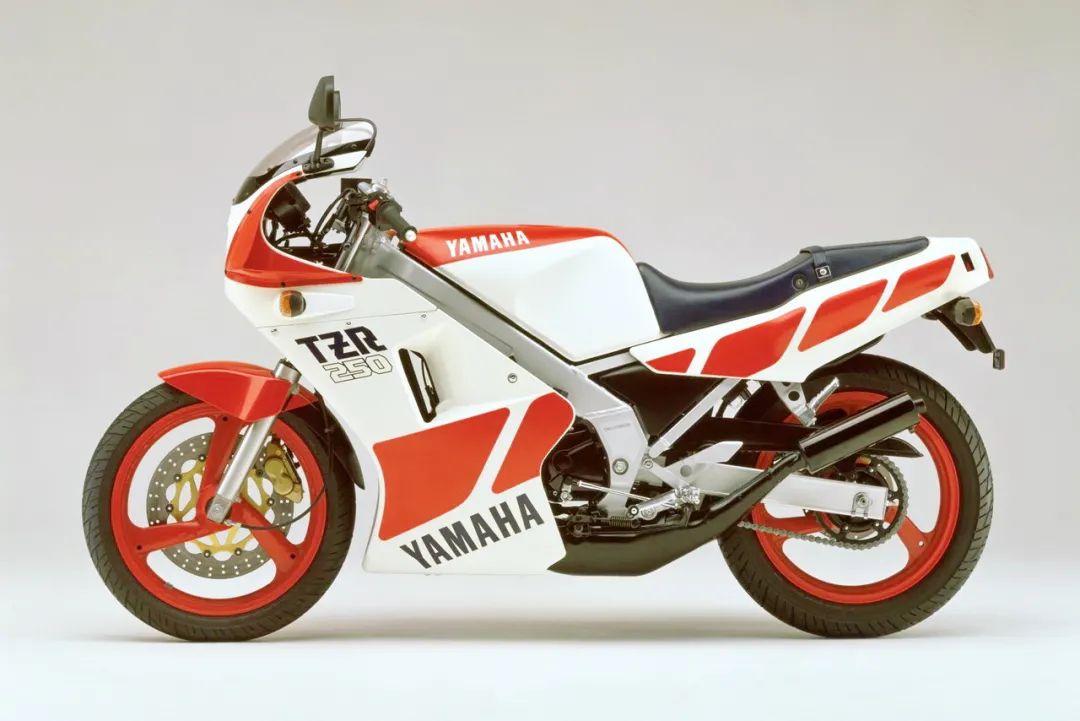 车型历史图库:雅马哈Yamaha TZR250 第一代-第35张图片-春风行摩托车之家