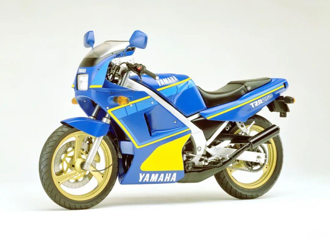 车型历史图库:雅马哈Yamaha TZR250 第一代-第38张图片-春风行摩托车之家