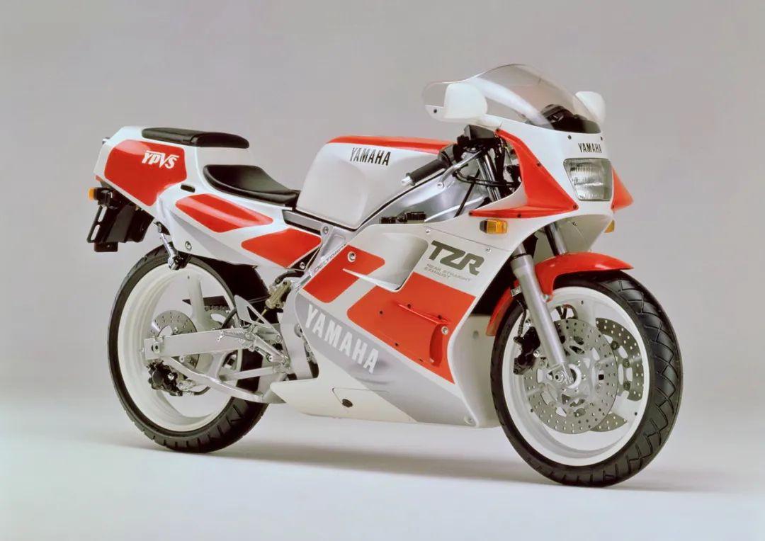 车型历史图库:雅马哈Yamaha TZR250 第二代-第2张图片-春风行摩托车之家