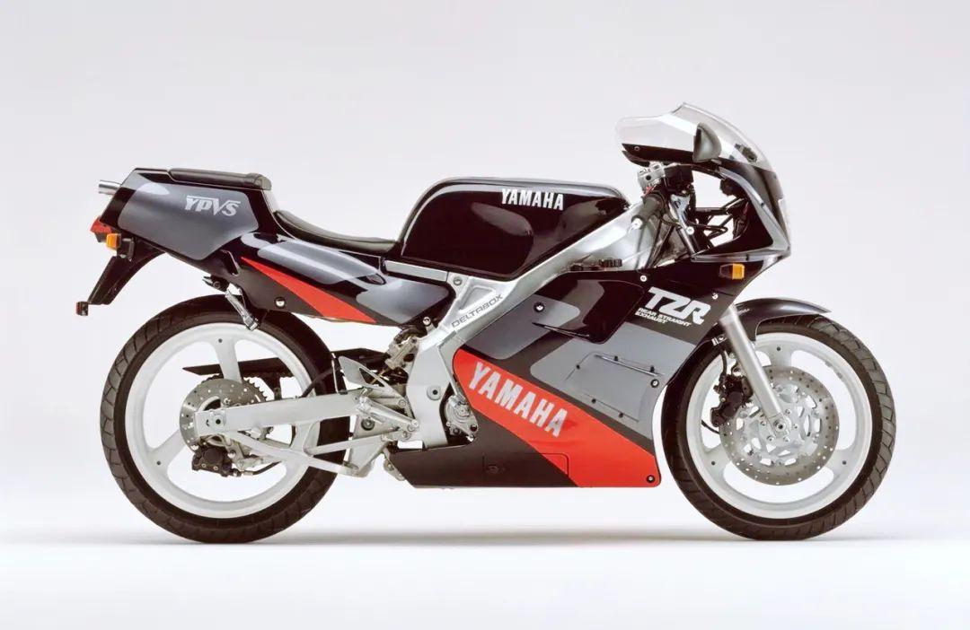 车型历史图库:雅马哈Yamaha TZR250 第二代-第7张图片-春风行摩托车之家