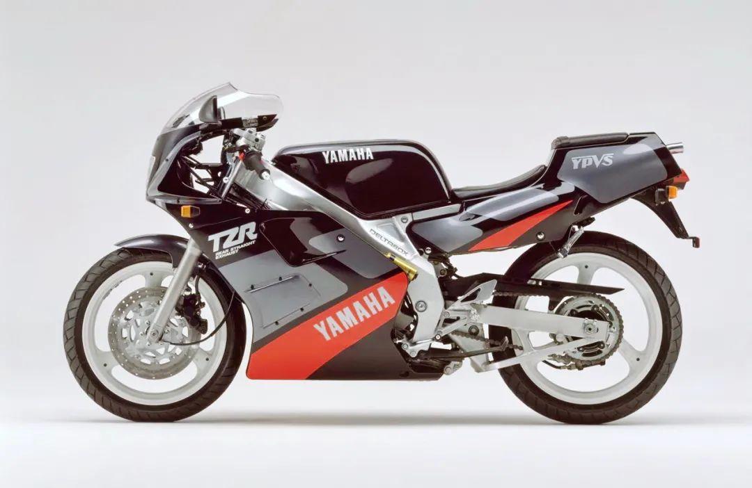 车型历史图库:雅马哈Yamaha TZR250 第二代-第9张图片-春风行摩托车之家