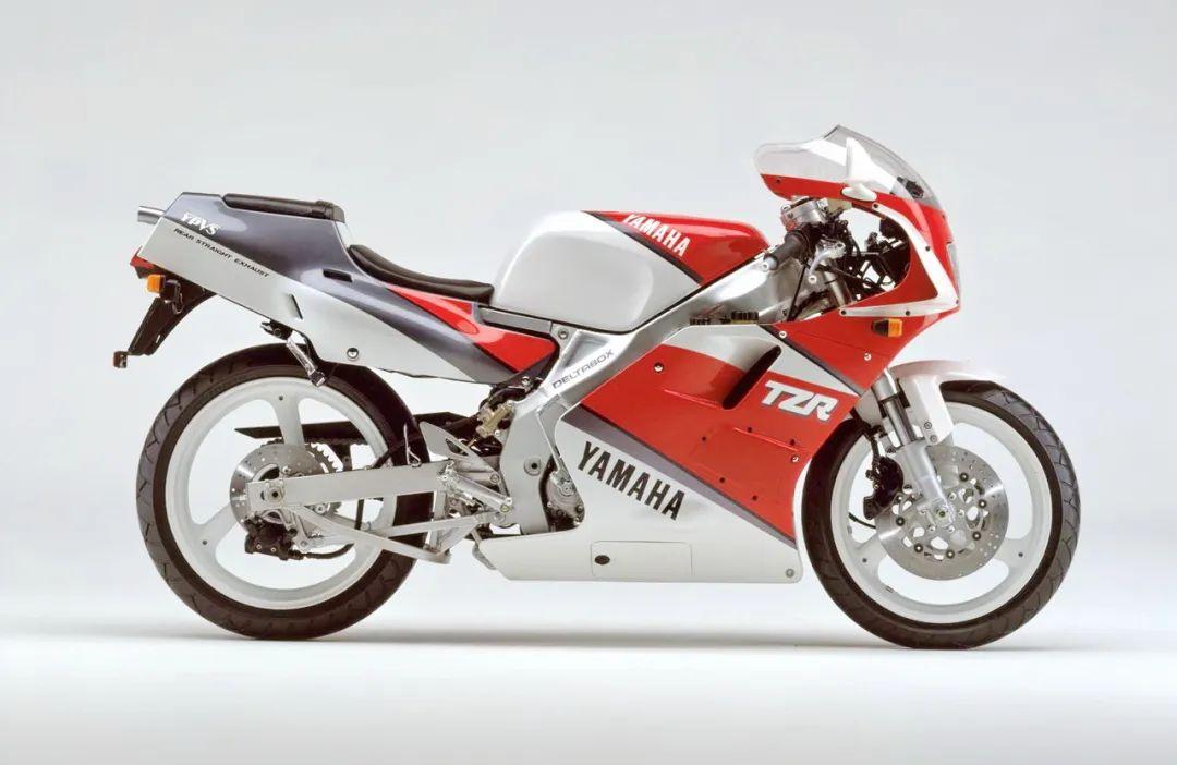 车型历史图库:雅马哈Yamaha TZR250 第二代-第12张图片-春风行摩托车之家