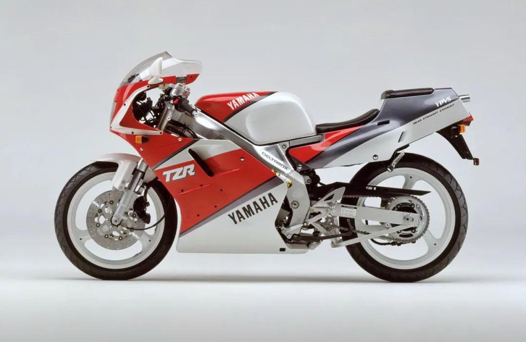 车型历史图库:雅马哈Yamaha TZR250 第二代-第14张图片-春风行摩托车之家