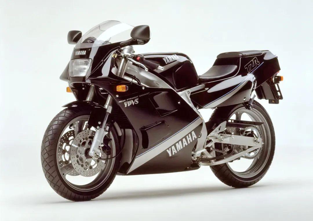 车型历史图库:雅马哈Yamaha TZR250 第二代-第17张图片-春风行摩托车之家