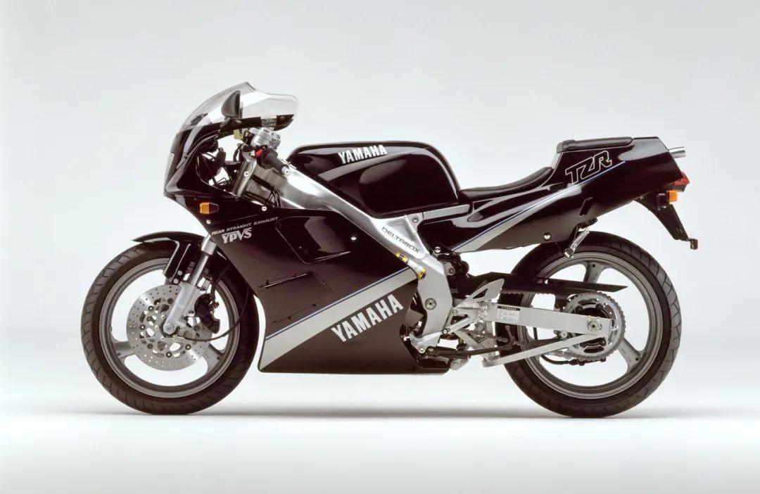 车型历史图库:雅马哈Yamaha TZR250 第二代-第18张图片-春风行摩托车之家