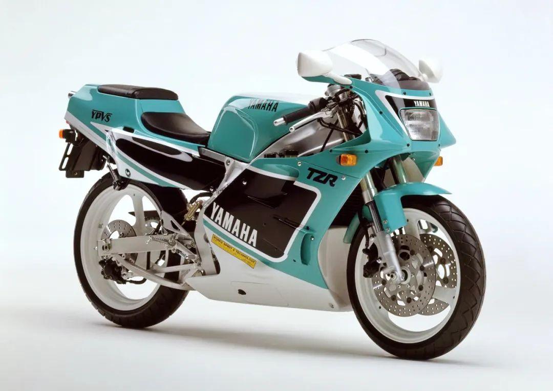 车型历史图库:雅马哈Yamaha TZR250 第二代-第19张图片-春风行摩托车之家