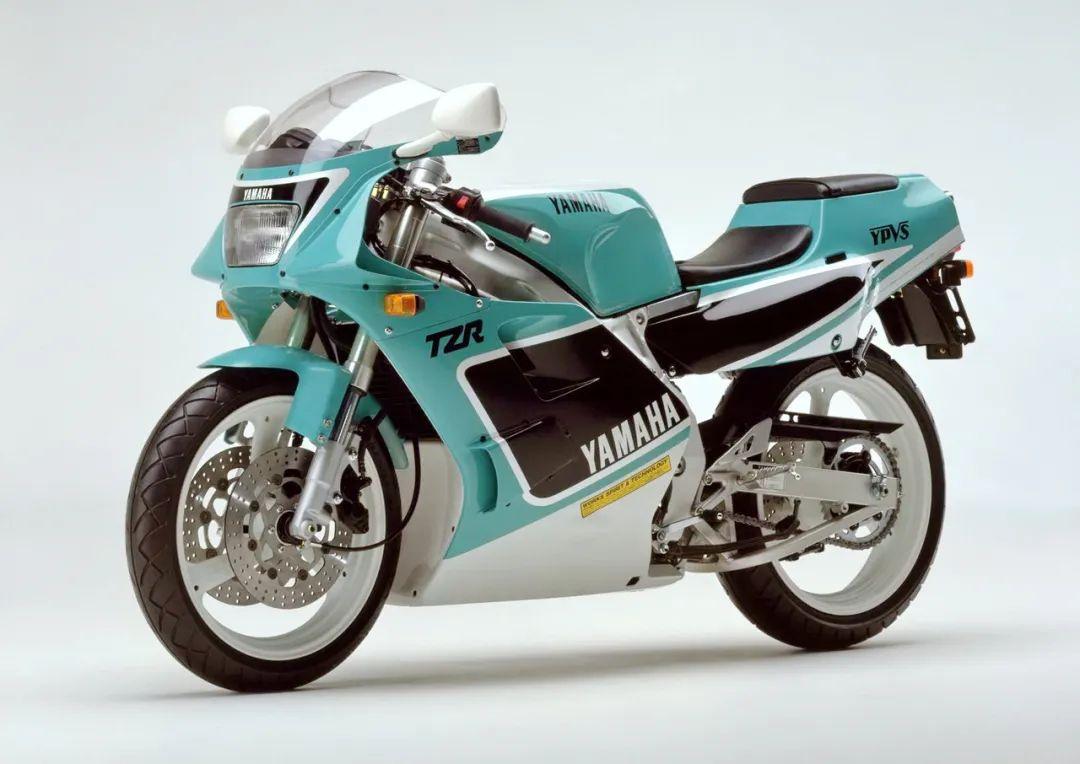 车型历史图库:雅马哈Yamaha TZR250 第二代-第21张图片-春风行摩托车之家